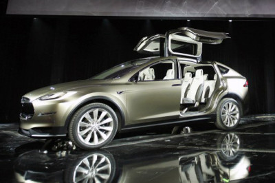 Tesla_Model_X_Geneva_2012_trimmed
