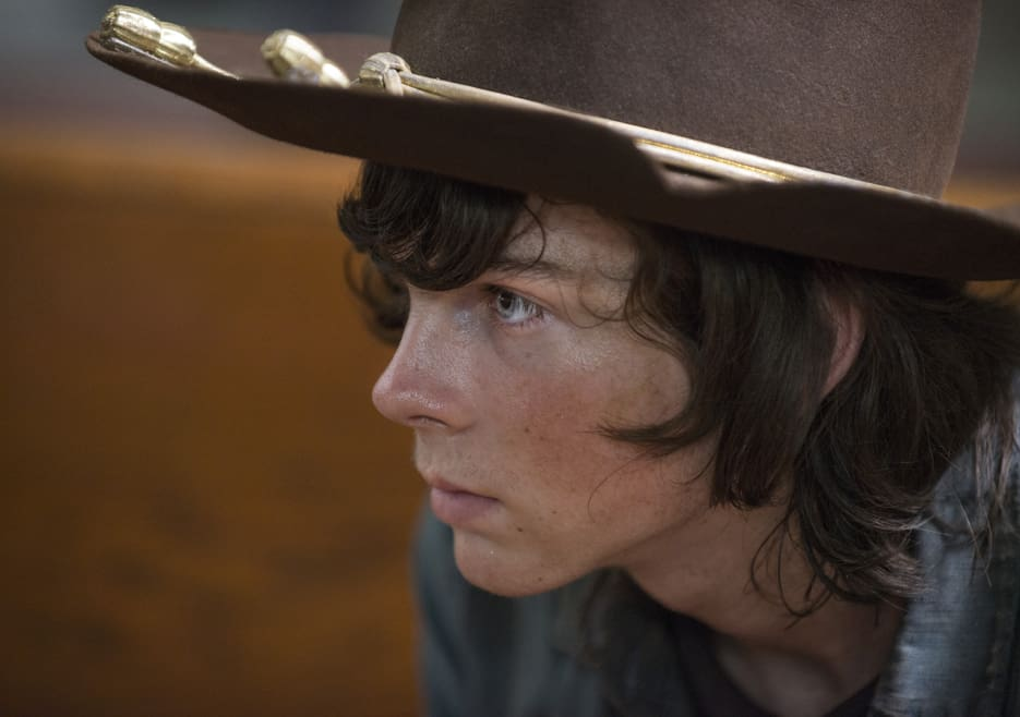 the-walking-dead-episode-508-carl-riggs-935