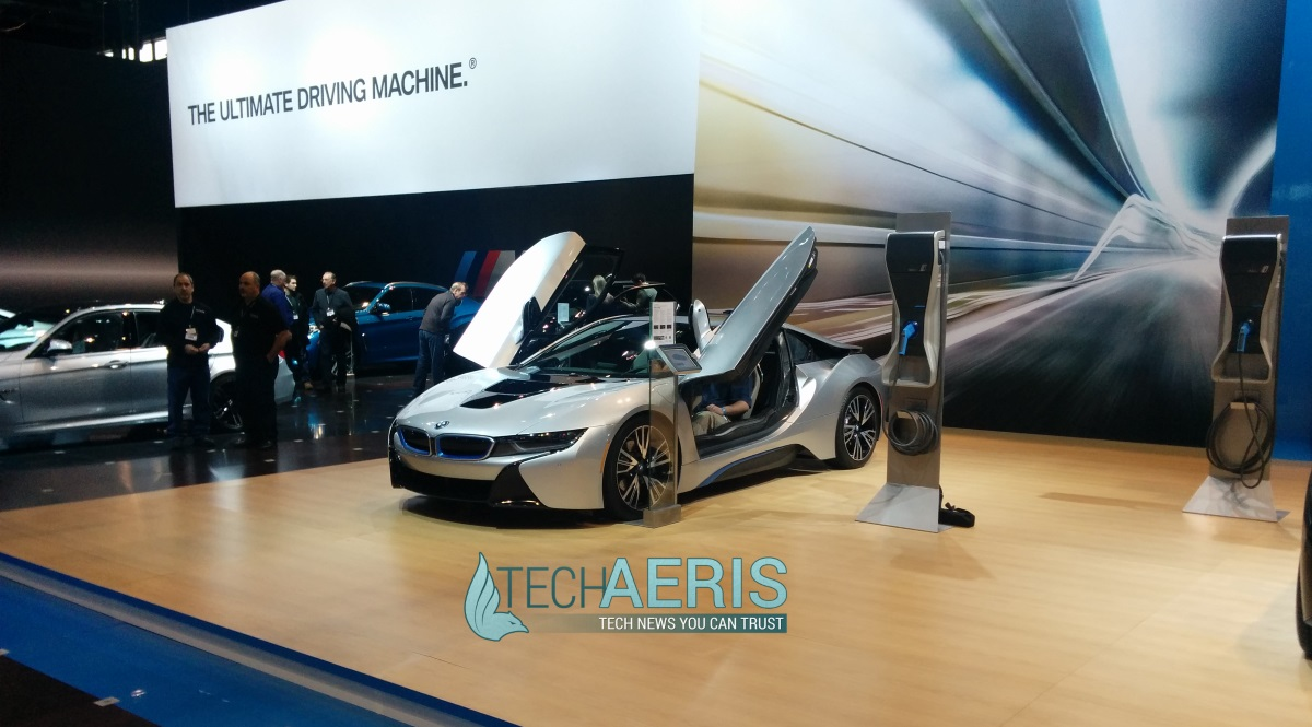 Chicago Auto Show 2015 BMW i8 front