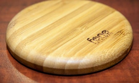 WoodPuck-Qi-Wireless-Charger-Review