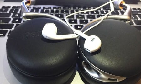 Earpods_By_Apple