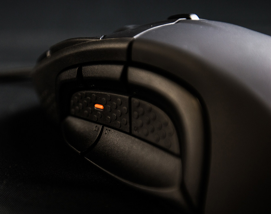 steelseries-rival-500-flick-down-switches