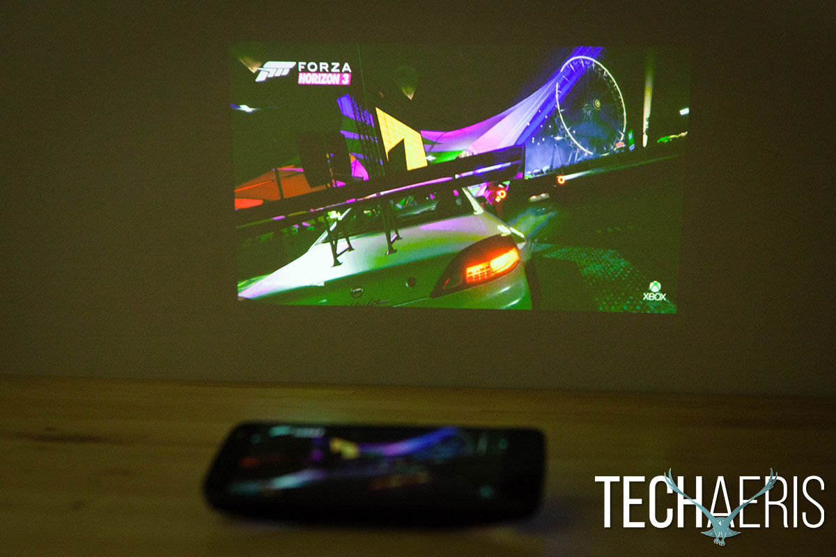 moto-insta-share-projector-review-12
