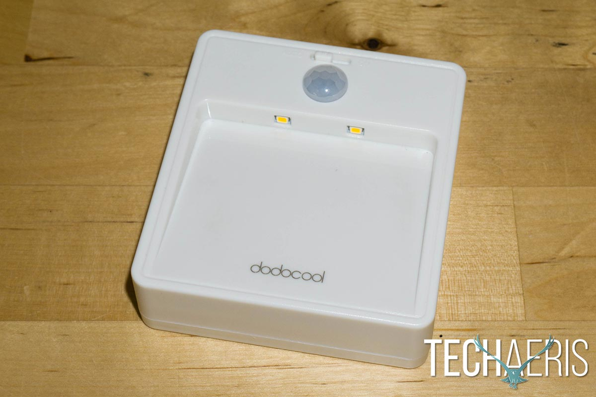 dodocool-Battery-powered-Motion-Sensor-Night-Light-review-03