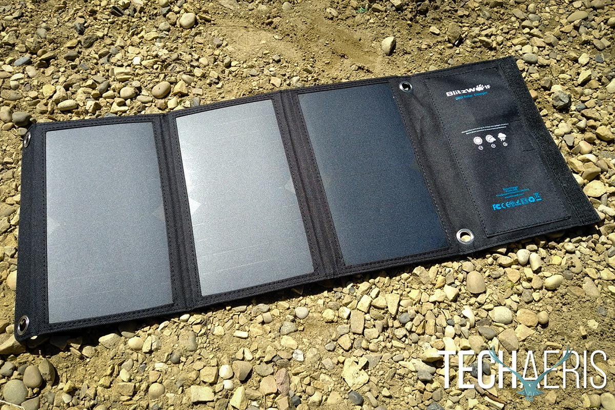 BlitzWolf-20W-Solar-Charger-review-04