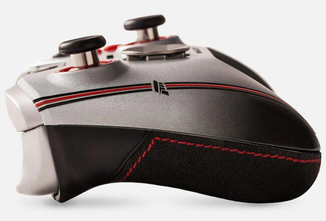 SCUF-Forza-thumbstick_grip-image