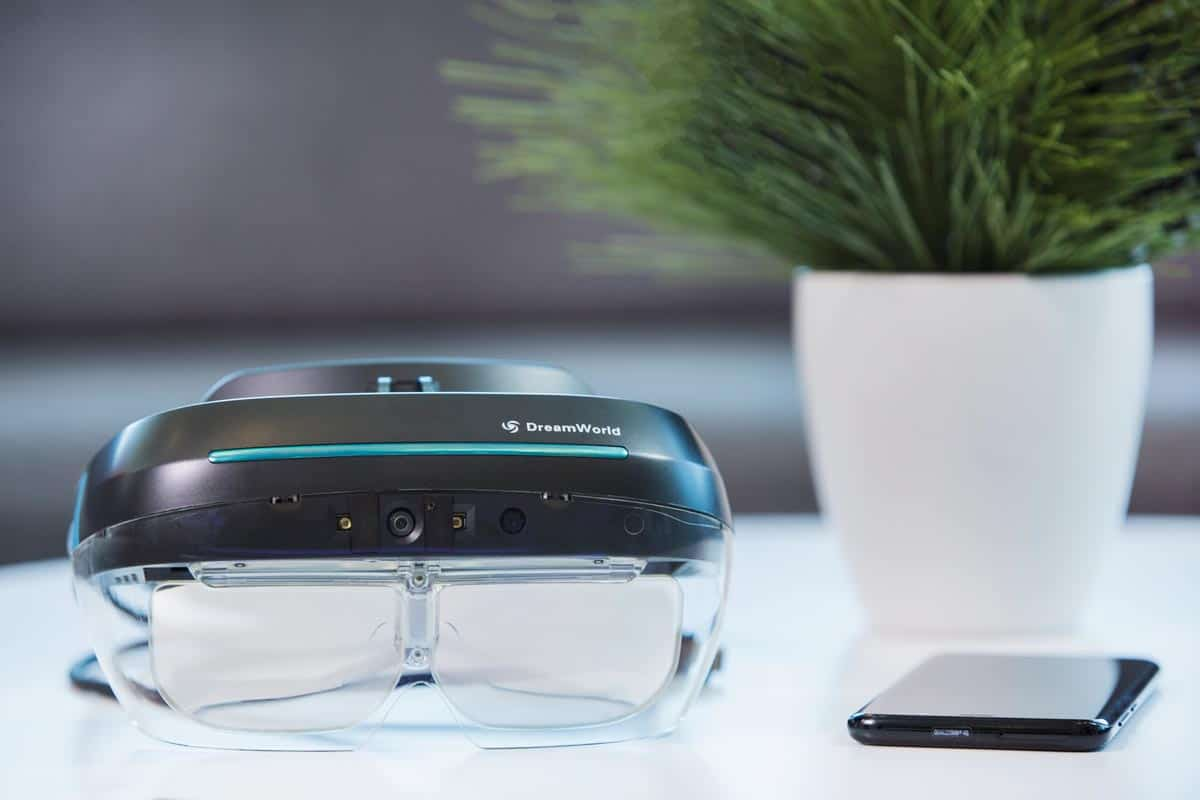 DreamGlass-AR-Headset-for-Developers