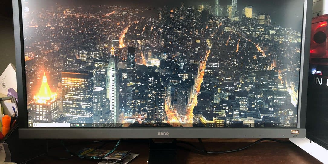 The BenQ EL2870 monitor review.