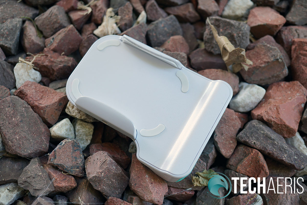 Adonit PhotoGrip Qi smartphone battery pack