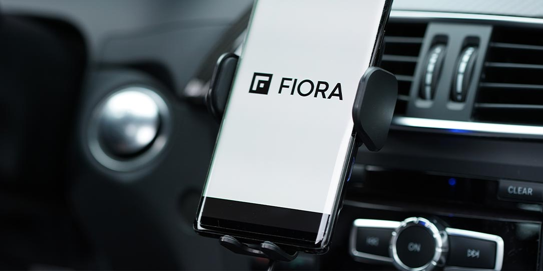 Fiora Ultimate Wireless Car Charger with phone