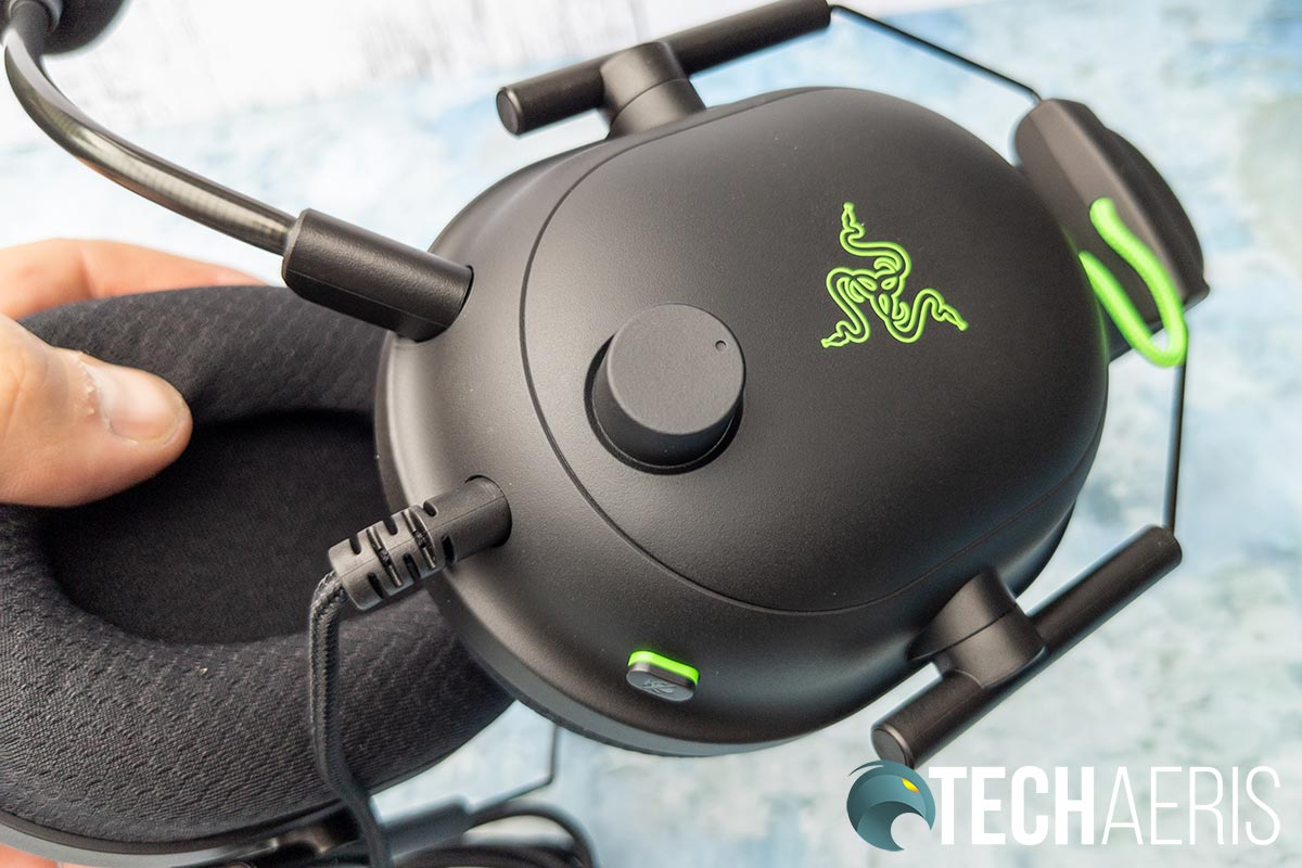 The Razer BlackShark V2 gaming headsets have a volume knob and microphone mute button