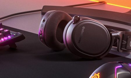 SteelSeries Arctis 9 gaming headset sitting on desk