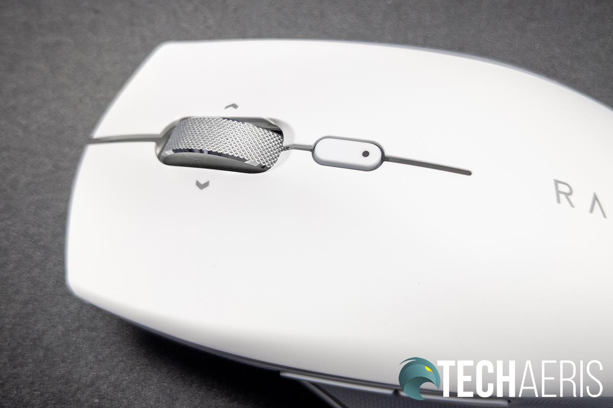 The textured scroll/tilt wheel on the Razer Pro Click ergonomic productivity mouse