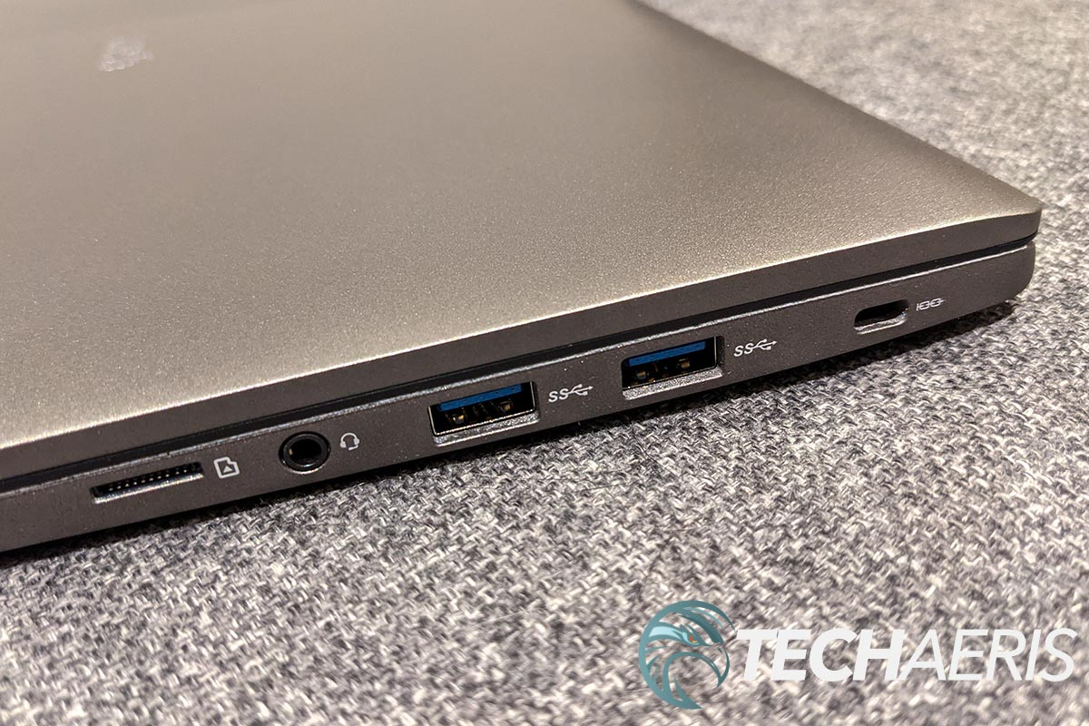 The ports on the right side of the LG gram for business 17-inch laptop
