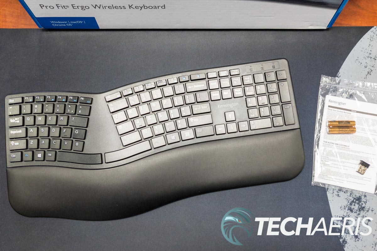 What's included with the Kensington Pro Fit Wireless Keyboard