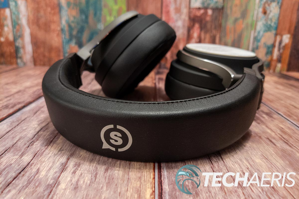 The headband on the SCUF H1 wired gaming headset