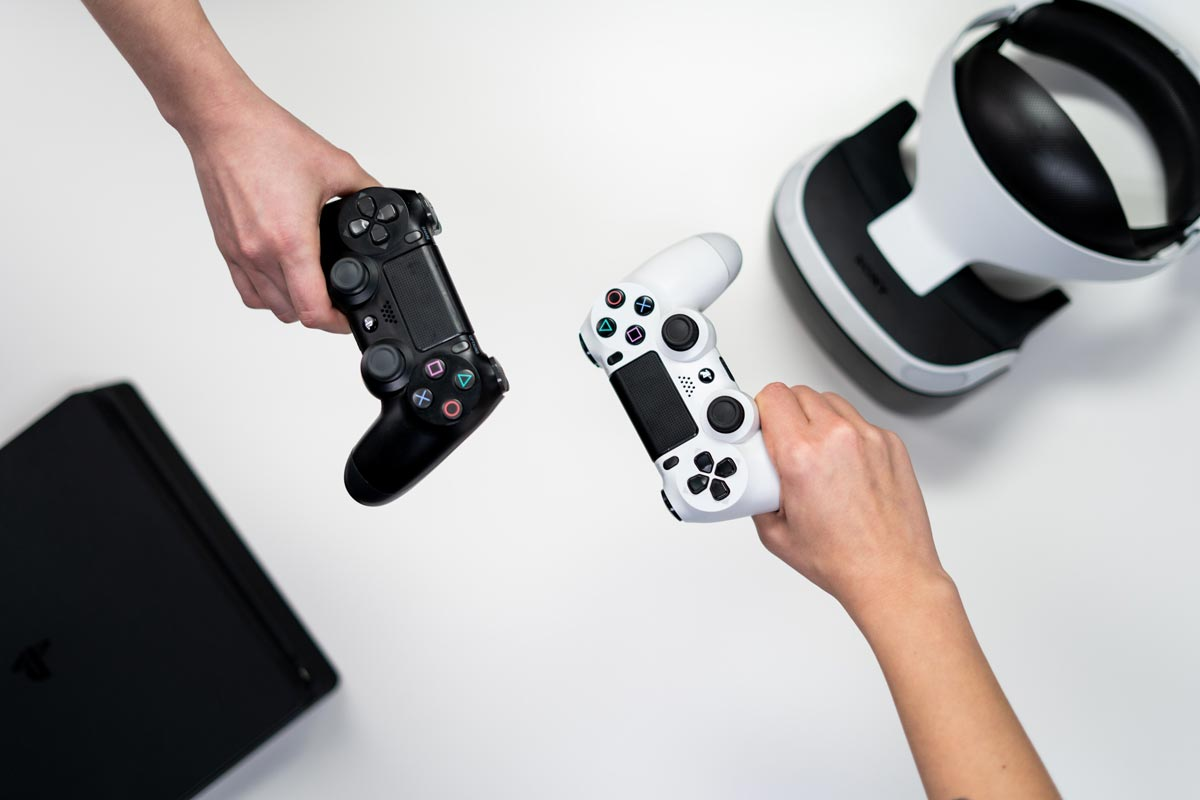 playing-video-games-playstation-controllers