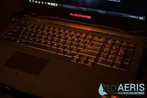 Alienware-17-Review-Red-LED