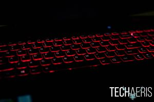 Lenovo-ideapad-Y700-17-Gaming-Laptop-Review-024