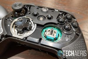 The thumbsticks of the SCUF Prestige Xbox One/PC game controller can easily be replaced