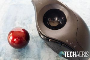 The trackball in the Kensington Pro Fit Ergo Vertical Trackball removes easily for cleaning