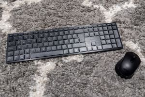 The included wireless keyboard and mouse