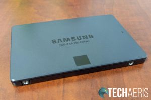Long edge view of the Samsung 870 QVO SATA SSD